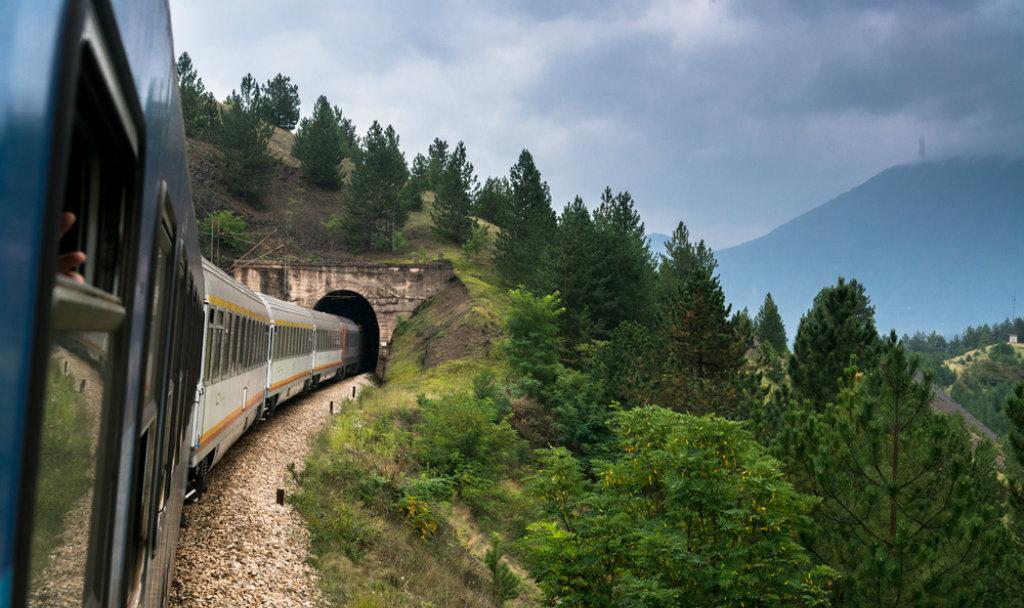 mobilità sostenibile trasporti pubblici rail academy